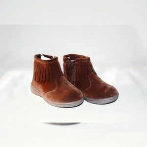NWT Carter's Girls Cata3 Moccasin Fringe Booties